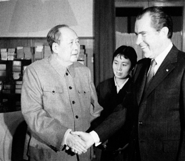 1972年2月21日,毛泽东会见尼克松.jpg