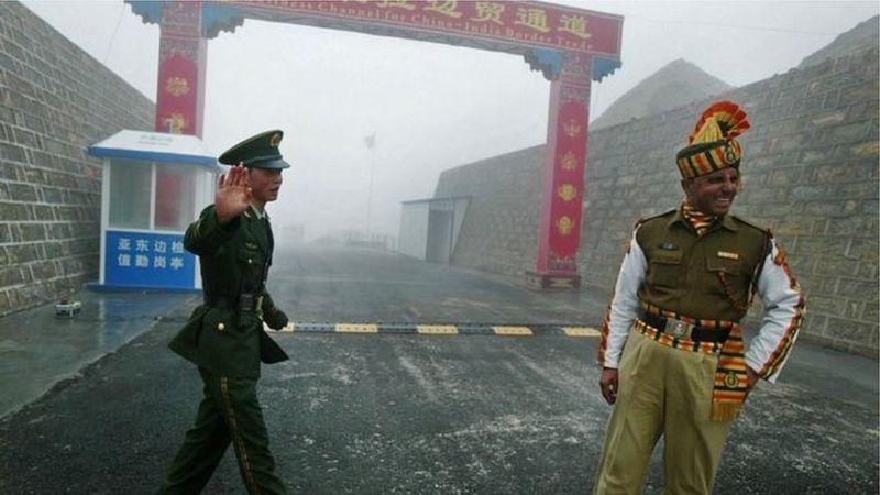 2月20日,中国和印度按计划进行第十轮军长级会谈。与此同时,中印边境上两国军队完成现阶段脱离接触的计划。随着边境紧张局势缓和,中印间紧张关系开始回暖,英媒报道指出,印度准备于未来几周内批准来自中国的一些新投资提议.jpg